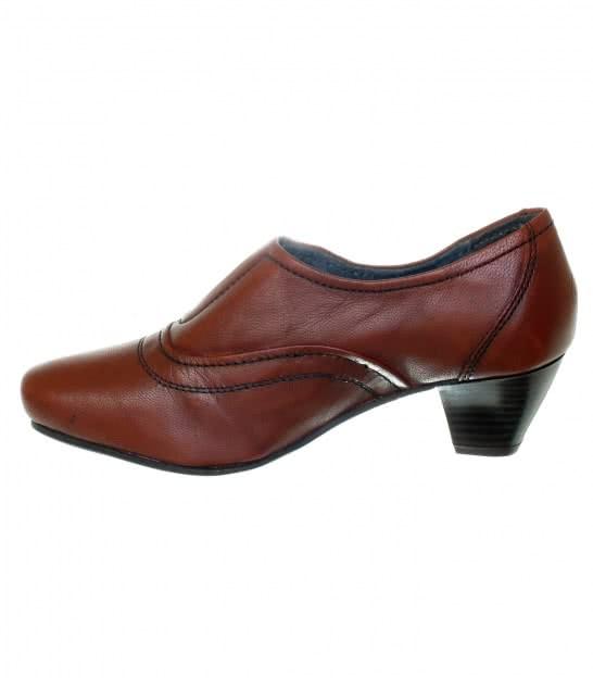 Шкіряні закриті туфлі Esmara